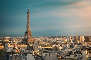 Francuzi chcą (ręcznie!) przemalować wieżę Eiffla na bardzo wyrazisty kolor. Bo tak wyglądała kiedyś