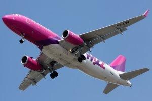 Wielkie zmiany w polityce bagażowej Wizz Aira. Bagaż podręczny zawsze darmowy. Ale jest pewien haczyk