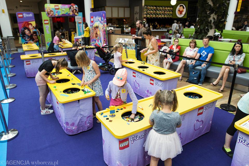 Tysiące Klocków W Atrium Felicity Miasteczko Lego Czeka Na