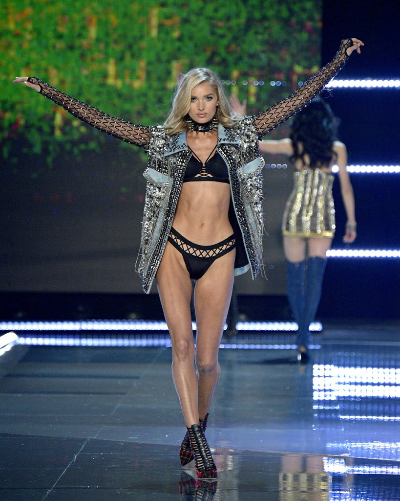 62017 Victorias Secret Fashion Show In Shanghai - Show / Matt Winkelmeyer / Getty Images for Victorias Secr