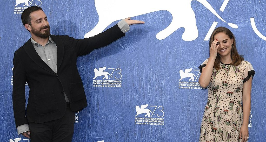 Natalie Portman i Pablo Larrain na festiwalu filmowym w Wenecji, 2016