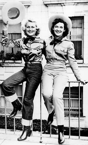 levis, jeansy, logo z klasą, Levi Strauss: człowiek, który dał nam dżinsy, Od lat 30tych XXw Levis produkuje jansy dla kobiet