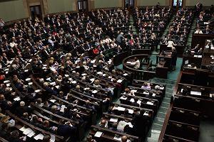 Nie będzie podwyżek dla posłów? PiS nie uwzględnia ich w ustawie okołobudżetowej