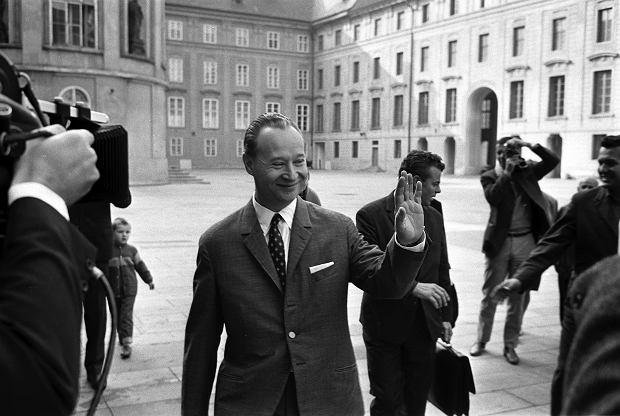 Praga, 13 września 1968 r. Alexander DubCek w drodze na posiedzenie Komitetu Centralnego Komunistycznej Partii Czechosłowacji. Miesiąc wcześniej interwencja wojsk Układu Warszawskiego położyła kres Praskiej Wiośnie