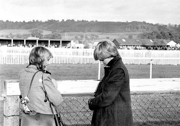 Camilla Parker-Bowles i księżna Diana na zawodach jeździeckich