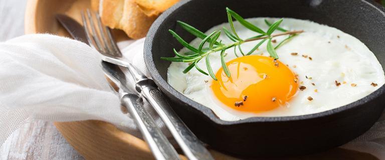 Jedz jajka na śniadanie! Sycą na długo i pomagają schudnąć [4 NIETYPOWE PRZEPISY]