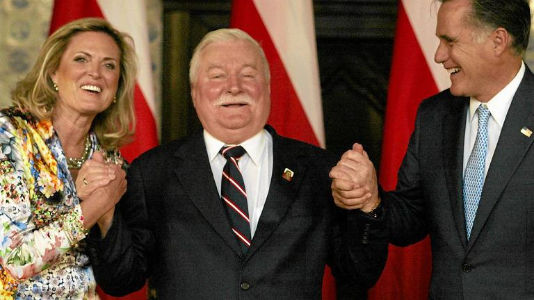 Ann i Mitt Romneyowie z Lechem Wałęsą