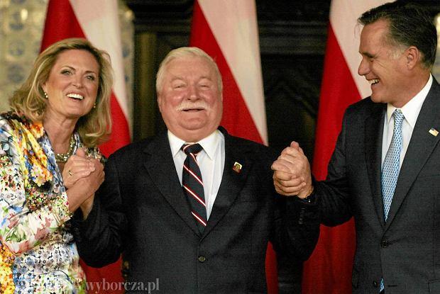 Ann i Mitt Romneyowie z Lechem Wa��s�
