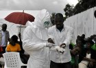Sensacyjne odkrycie. Zastrzyk z krwi os�b ozdrowia�ych z eboli ratuje chorych