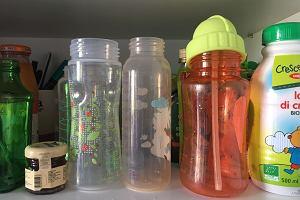 Pediatrzy przestrzegają rodziców: Przestańcie podawać dzieciom jedzenie w plastikowych opakowaniach! Są szkodliwe