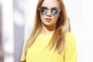Żółte ubrania - energetyczny trend na wiosnę