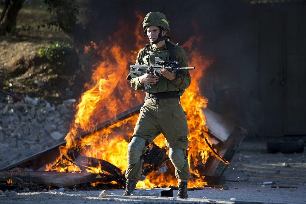 Palestyńczycy wyszli na ulice, by zaprotestować przeciwko decyzji Donalda Trumpa