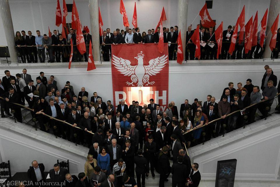 Skrajni prawicowcy w Sejmie. Kongres 'Ruchu Narodowego' pod hasłem 'Suwerenny Narod w XXI wieku