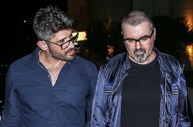 George Michael nie żył już od godziny, zanim jego partner zadzwonił po karetkę. W sieci pojawił się zapis rozmowy, jaką Fadi Fawaz przeprowadził z dyżurnym pogotowia.