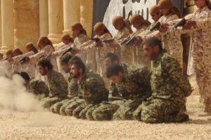 Pa�stwo Islamskie rozstrzela�o 25 os�b. W roli oprawc�w zn�w dzieci