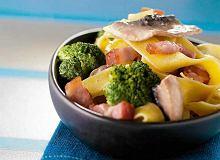 Linguini z boczkiem, pieczarkami oraz brokułami - ugotuj