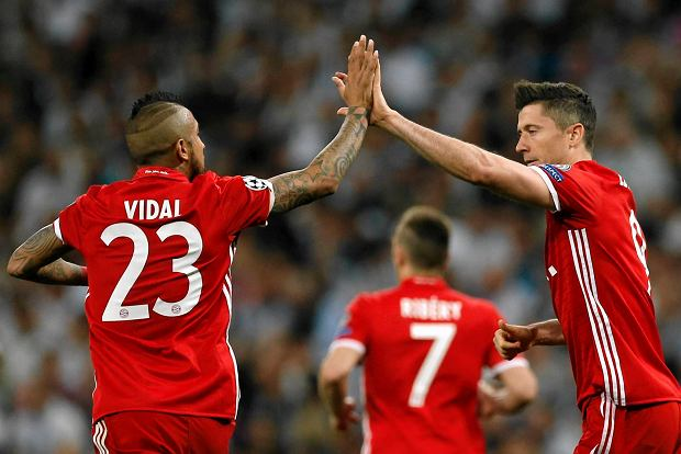 Robert Lewandowski i Arturo Vidal