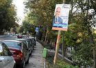 Plakaty wyborcze PO na miejskich latarniach - za darmo. Teraz chc� tak wszyscy
