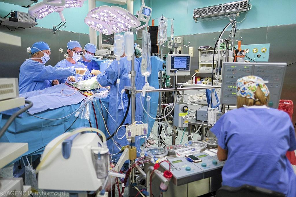 Operacja w Klinice Kardiochirurgii w Rzeszowie (fot. Patryk Ogorzałek/AG)