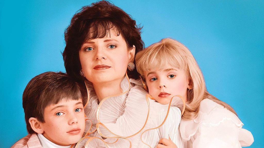 Burke, Patsy i JonBenet Ramsey (fot. Lwp Kommunikáció / Flickr.com / CC BY 2.0)