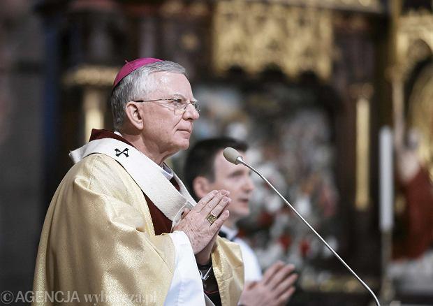 Abp Jędraszewski zastąpi kard. Dziwisza w Krakowie. Zaskakująca decyzja Watykanu