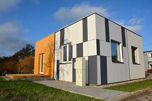 Zbudowany w 45 dni - najmniejszy, niskoenergetyczny dom w Polsce