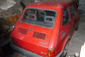 """Aukcje   Fiat 126p   Nowy """"maluch"""" z przebiegiem 7 km"""