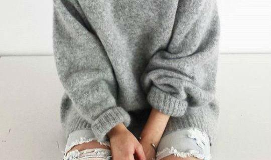 Przegląd swetrów poniżej 100 złotych