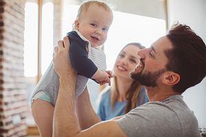 KE rekomenduje zmiany w urlopach rodzicielskich. Polacy raczej na nich nie skorzystają