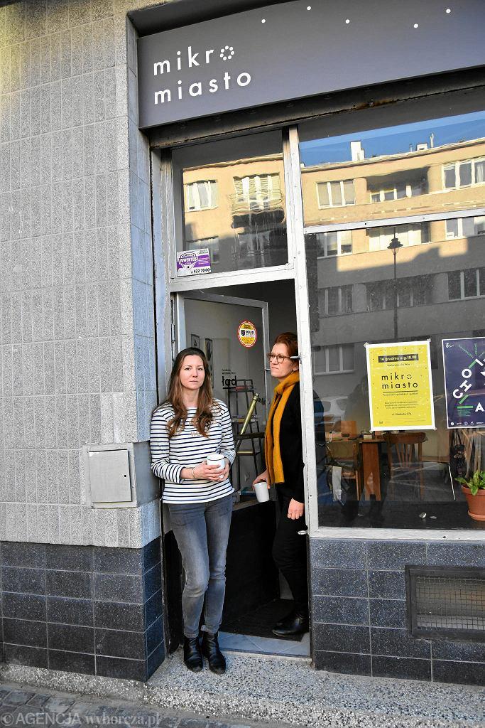 Mikromiasto znajduje się na parterze kamienicy przy ul. Narbutta 27a. To inicjatywa Joanny Tarkowskiej (z lewej) i Doroty Kupper. / FRANCISZEK MAZUR