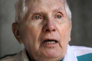 Domniemany zbrodniarz z czas�w II wojny �wiatowej zmar� w USA. Czeka� na deportacj�, ale nie by�o ch�tnego kraju