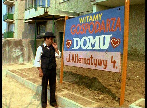Blok z serialu 39 alternatywy 4 39 tutaj warszawa wra enia for Mural alternatywy 4