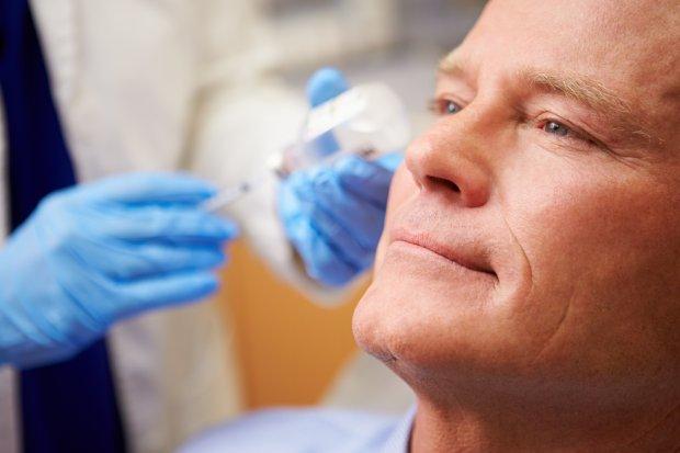 Panowie coraz częściej poddają się operacjom plastycznym