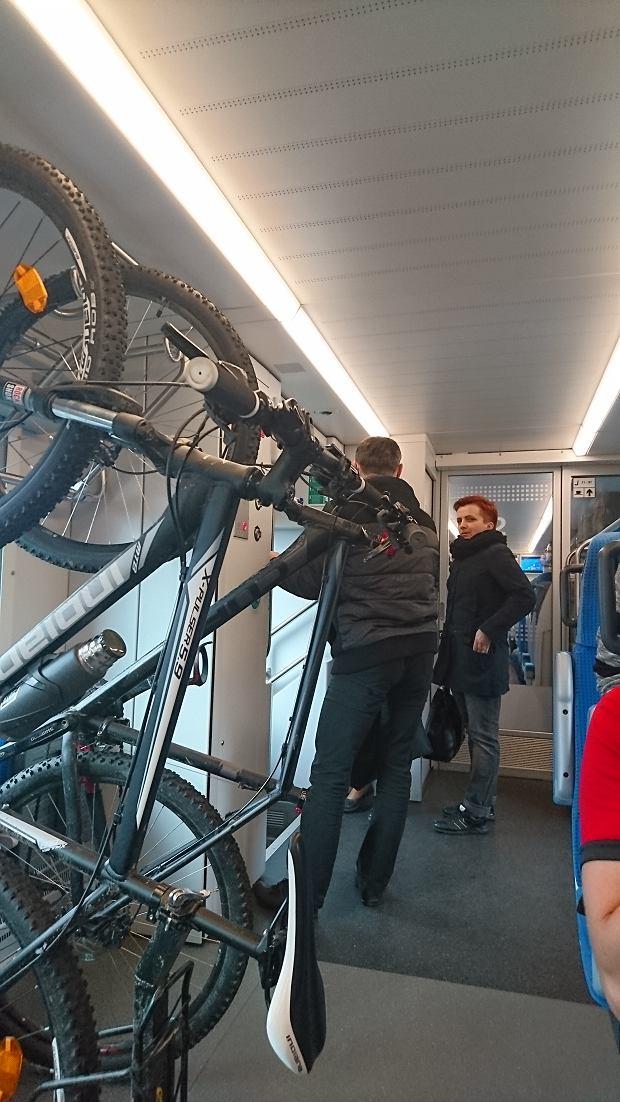 mało miejsca na rowery