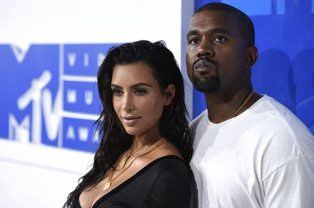 Kim Kardashian i Kanye West z dziećmi na wspólnym zdjęciu. Pierwszym od bardzo dawna. Nareszcie! - chciałoby się powiedzieć.
