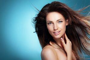 Zahamuj wypadanie włosów z Cece MED Stop Hair Loss