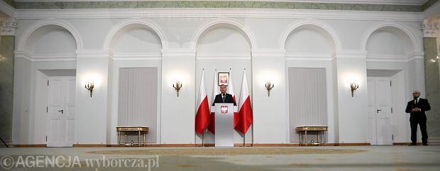 Zdjęcie numer 2 w galerii - Andrzej Duda przedstawił ustawy dot. sądownictwa. Jest też projekt zmian w konstytucji