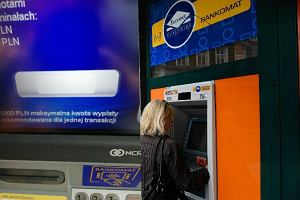 Chcesz wypłacić ponad 1000 zł z bankomatu Euronetu, a tam dziwna rekomendacja. Wyjaśniamy, o co chodzi