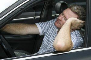 Bezdech senny. Chrapiesz? Mo�esz straci� prawo jazdy. S� nowe przepisy