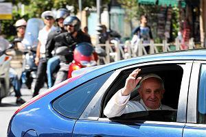 Niemieccy biskupi odpowiadaj� na ankiet� dziennikarzy. I to w sprawie s�u�bowych samochod�w