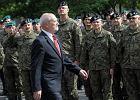 Minister chaosu narodowego. Jak Antoni Macierewicz przez rok rządził polskim wojskiem