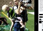 To zdjęcie pracującej matki-fotografki może stać się ikoną. Rodzicielskiej wielozadaniowości