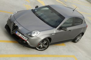 Alfa Romeo Giulietta QV | Test | Ci�gle m�oda