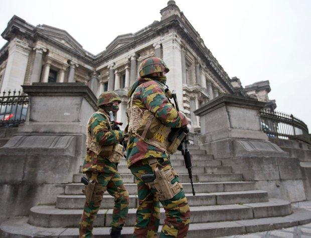 """Belgia. Alert terrorystyczny obni�ono, ale kolejny atak """"mo�liwy"""""""