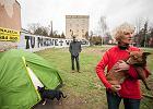 Warszawa. Mieszkanie po siedmiu miesi�cach pod namiotem