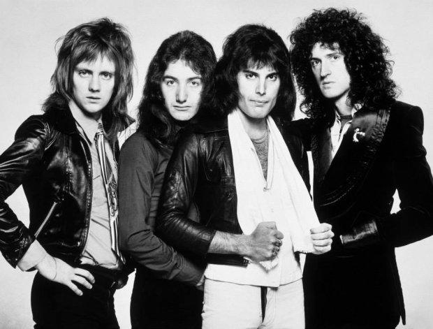 Zespól Queen, 1976