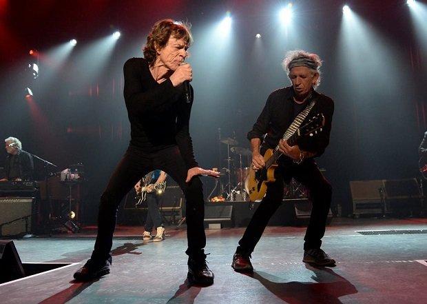"""21 października w sprzedaży pojawi się książka """"Mick i Keith. Rolling Stonesów portret podwójny""""."""
