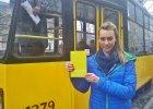 Projekt Warsaw Trambook, czyli co warszawiacy czytaj� w tramwajach