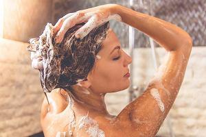 Jak często powinniśmy myć włosy? - fakty i mity