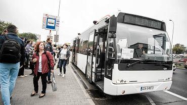 Pierwszy dzień wyłączenia linii kolejowej w kierunku Grodziska Mazowieckiego